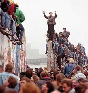 Il y a 25 ans, ils ont (dé)fait le mur !
