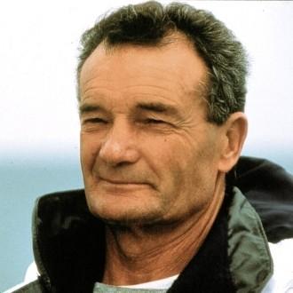 Il y a 16 ans, le navigateur Eric Tabarly tombait de son bateau et disparaîssait en mer d'Irlande